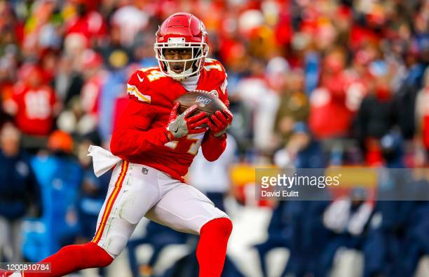 Sammy Watkins of the Kansas City Chiefs catches a 60-yard touchdown pass in the fourth quarter of the AFC Championship game against the Tennessee...