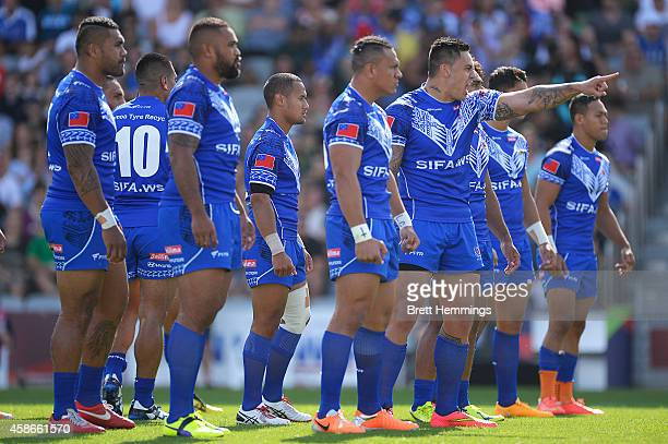 Samoa performs the Haka during the Four Nations match between the Australian Kangaroos and Samoa at WIN Stadium on November 9 2014 in Wollongong...