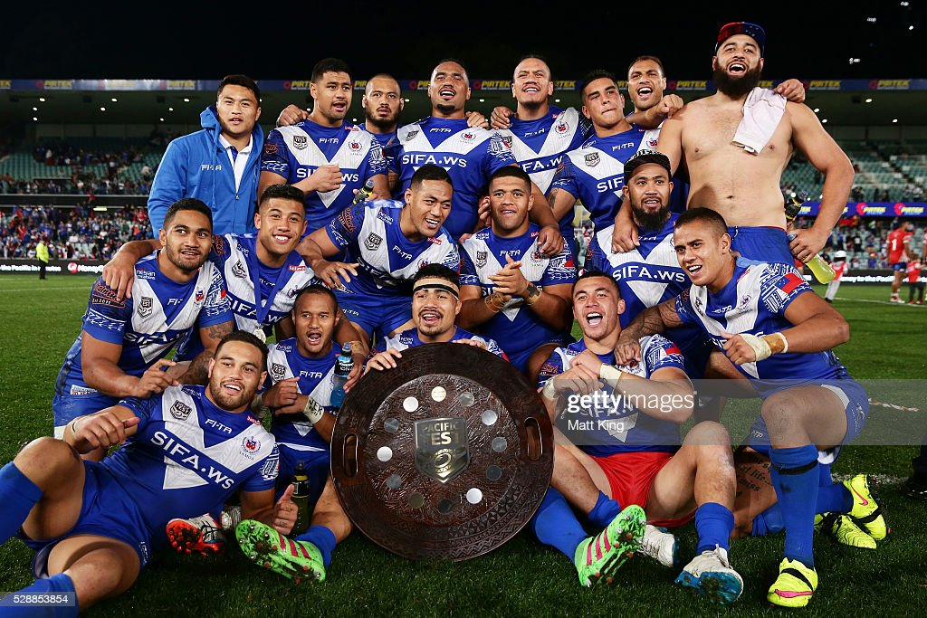 Samoa pose and celebrate with the Pacific Test trophy after the International Rugby League Test match between Tonga and Samoa at Pirtek Stadium on May 7, 2016 in Sydney, Australia.
