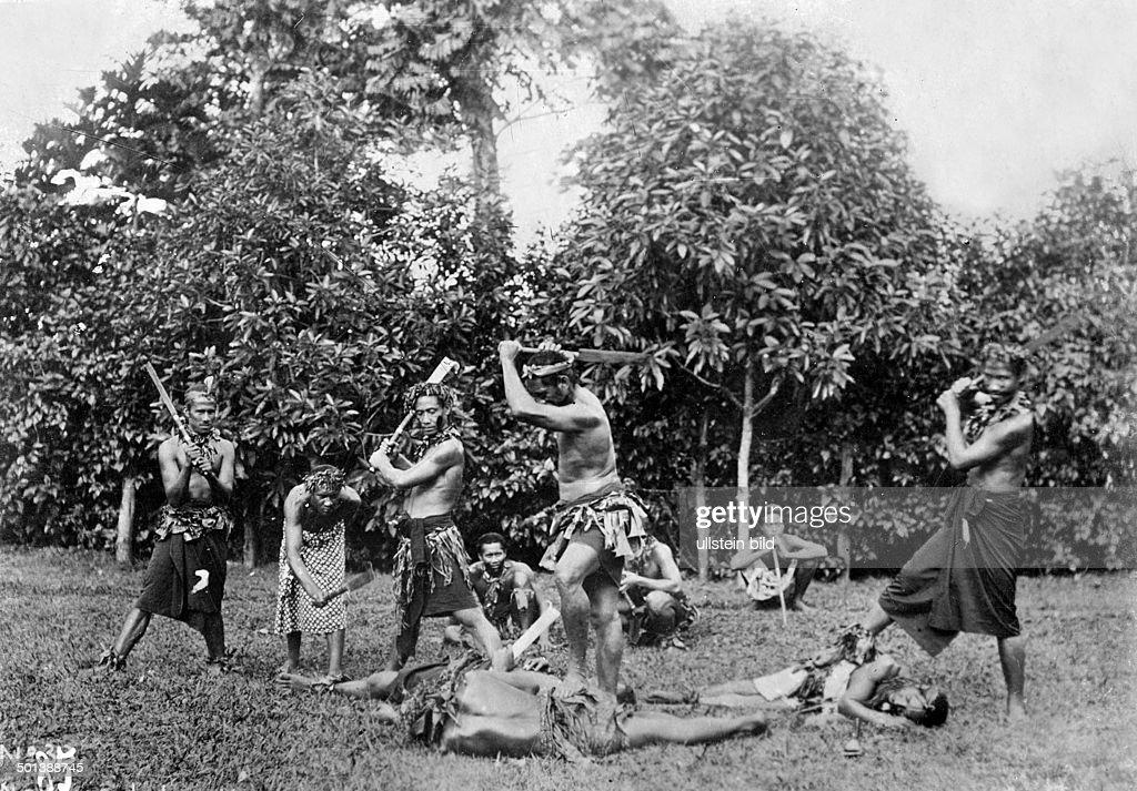 Samoan Warriors Behead Their Enemies
