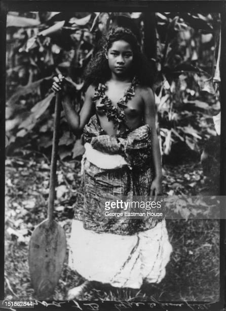 Samoa type de jeune fille between 1900 and 1919