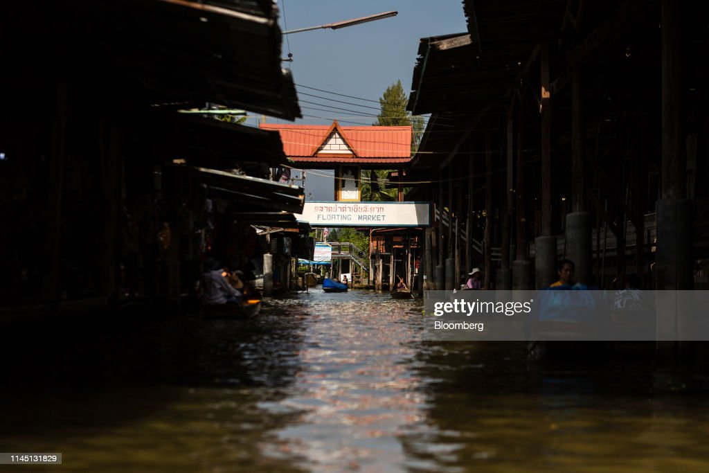 THA: Retail And Tourism At The Damnoen Saduak And Amphawa Floating Markets Ahead Of GDP Figures