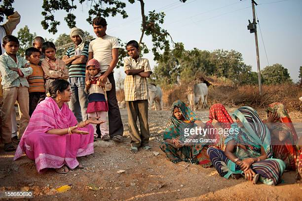 Sampat Pal Devi talks with the local villagers The Gulabi gang or the pink gang is a group of women who have decided to take justice into their own...