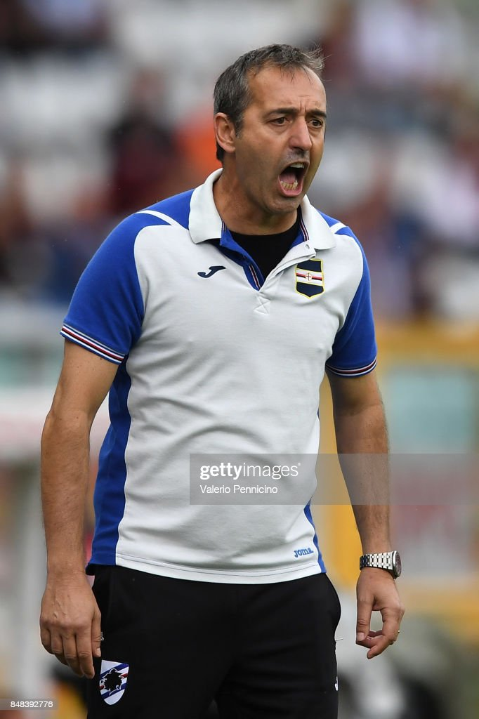 UC Sampdoria head coach Marco Giampaolo shouts to his players during the Serie A match between Torino FC and UC Sampdoria at Stadio Olimpico di Torino on September 17, 2017 in Turin, Italy.