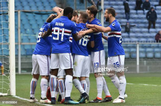 Sampdoria players celebrates after Edgar Barreto scored during the serie A match between UC Sampdoria and Hellas Verona FC at Stadio Luigi Ferraris...
