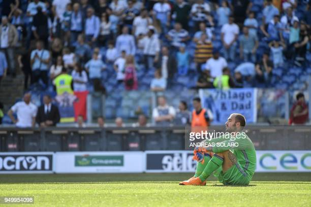Sampdoria's Italian goalkeeper Emiliano Viviano reacts after the goal of Lazio's Italian midfielder Ciro Immobile during the Italian Serie A football...