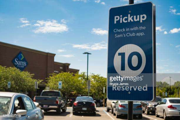 sam's club pickup - brycia james stock pictures, royalty-free photos & images
