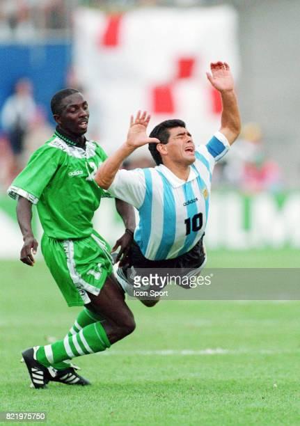 Samson SIASIA / Diego MARADONA Argentine / Nigeria Coupe du Monde 1994 USA
