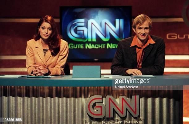 Samstag Nacht, Comedyshow, Deutschland 1993 - 1998, Darsteller: Esther Schweins und Mark Weigel bei den Gute Nacht News GNN.