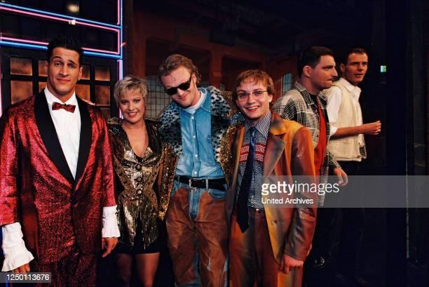 """Samstag Nacht TV-Comedy Show 1995 - Aufzeichnung der 50 Ausgabe von """"RTL Samstag Nacht"""" in den MMC Studios in Hürth. Mirco Nontschew, Tanja Schumann,..."""