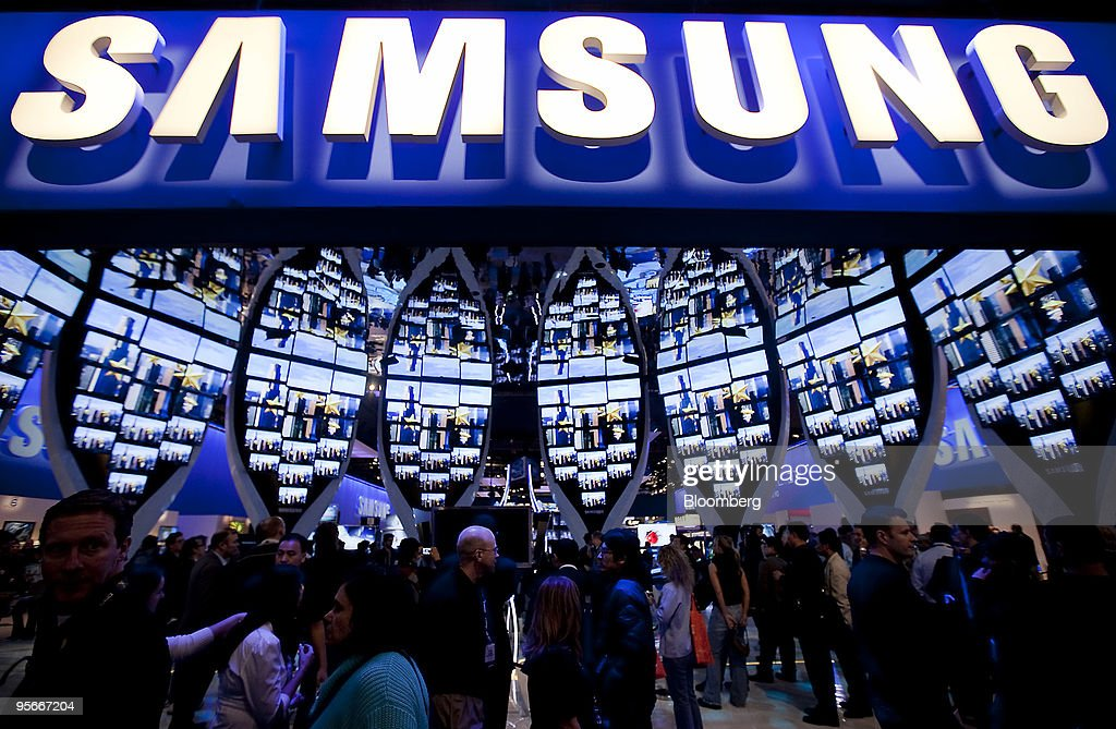 Samsung Electronics Co. televisions sit on display during the 2010 International Consumer Electronics Show (CES) in Las Vegas, Nevada, U.S., on Friday, Jan. 8, 2010. 20,000 new technologies will debut at CES, which runs through Jan. 11 and is expected to see at least 113,000 attendees and 2,500 exhibitors, the Consumer Electronics Association said. Photographer: Daniel Acker/Bloomberg via Getty Images