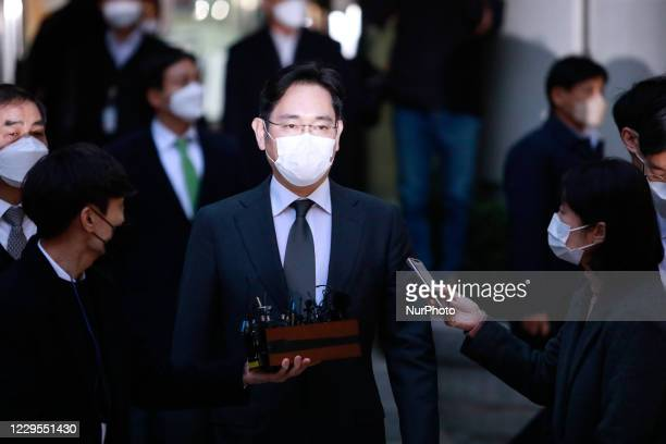 Samsung Electronics Vice Chairman Jay Y. Lee leaves a court after the hearing to review at the Seoul High Court on November 09, 2020 in Seoul, South...