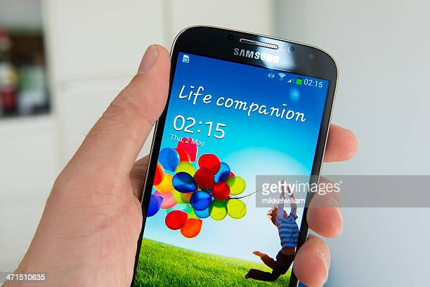samsung galaxy s4 - samsung galaxy s4 stock pictures, royalty-free photos & images