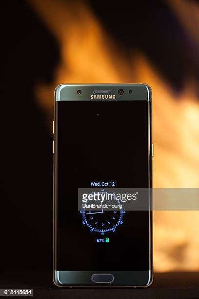 samsung note 7 recall - samsung galaxy note stock pictures, royalty-free photos & images