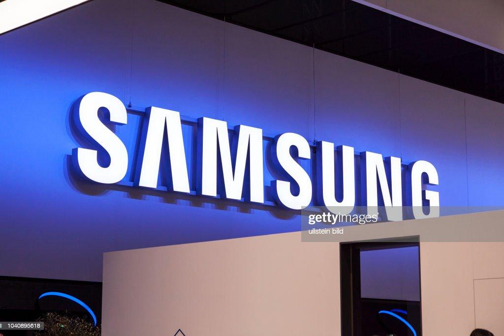 Samsung Schriftzug bei der IFA Messe in Berlin 2017 : News Photo