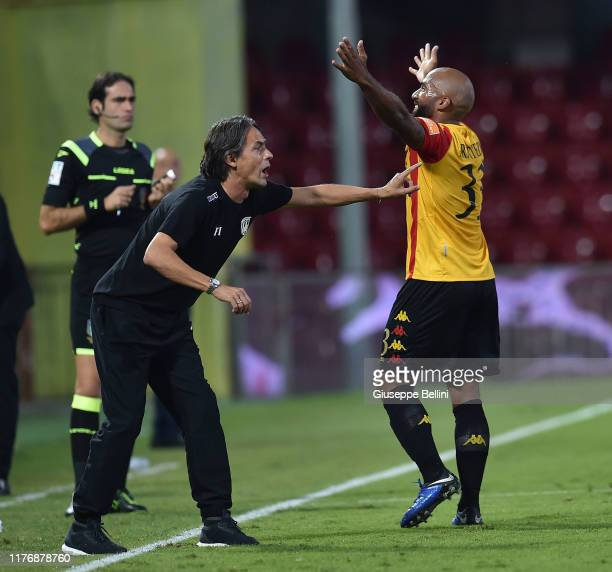 Samuel Armenteros of Benevento Calcio celebrates after scoring opening goal with Filippo Inzaghi head coach of Benevento Calcio during the Serie B...