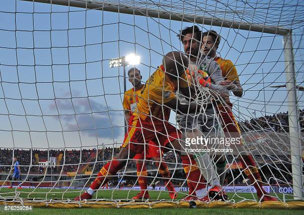 Samuel Armenteros of Benevento Calcio celebrates after scoring the 11 goal during the Serie A match between Benevento Calcio and US Sassuolo at...