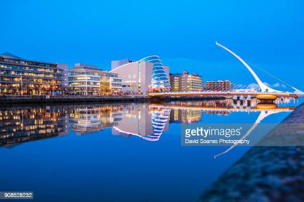 samuel beckett bridge at dusk in dublin city, ireland - dublin stock pictures, royalty-free photos & images
