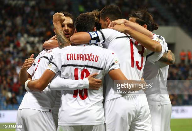 Samuel Castillejo of AC Milan celebrates his goal with his teammates during the Serie A match between US Sassuolo and AC Milan at Mapei Stadium...
