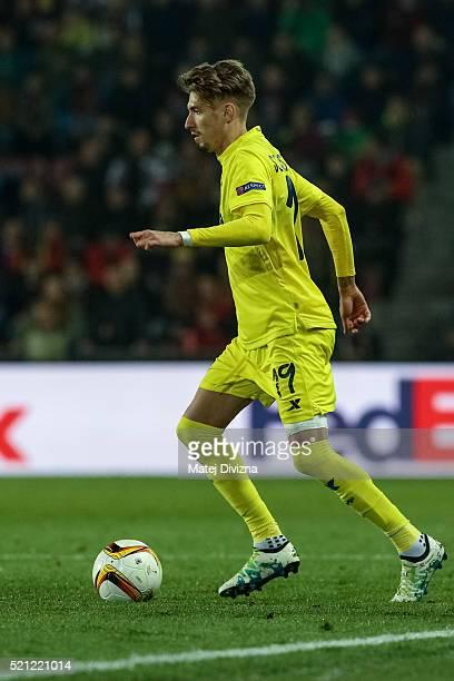 Samuel Castillejo of Villareal in action during the UEFA Europa League Quarter Final second leg match between Sparta Prague and Villareal CF on April...