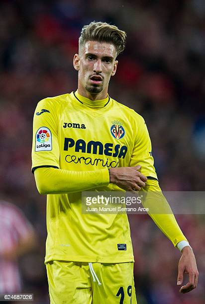Samuel Castillejo of Villarreal CF reacts during the La Liga match between Athletic Club Bilbao and Villarreal CF at San Mames Stadium on November 20...