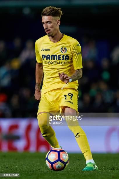 Samuel Castillejo of Villarreal CF with the ball during the La Liga match between Villarreal CF and Athletic Club de Bilbao at Estadio de la Ceramica...