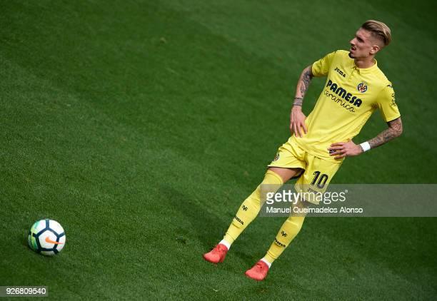 Samuel Castillejo of Villarreal looks on during the La Liga match between Villarreal and Girona at Estadio de La Ceramica on March 3 2018 in...
