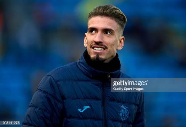 Samuel Castillejo of Villarreal looks on prior to the UEFA Europa League Round of 32 match between Villarreal and Olympique Lyon at the Estadio de la...