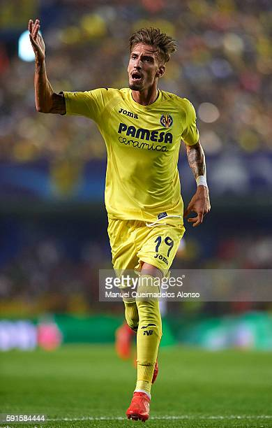 Samuel Castillejo of Villarreal reacts during the UEFA Champions League playoff first leg match between Villarreal CF and AS Monaco at El Madrigal on...
