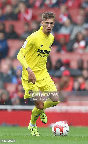 Samuel Castillejo of Villarreal runs with the ball during the Emirates Cup match between Olympique Lyonnais and Villarreal at the Emirates Stadium on...