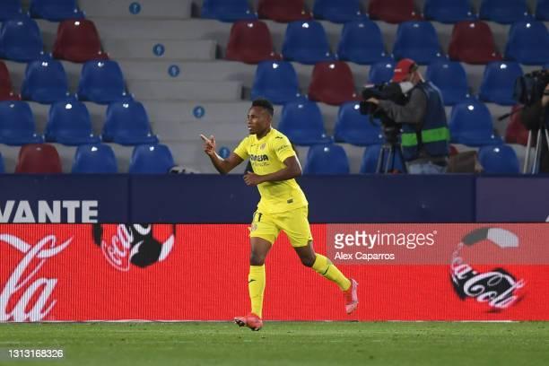 Samuel Chukwueze of Villarreal celebrates after scoring their team's third goal during the La Liga Santander match between Levante UD and Villarreal...