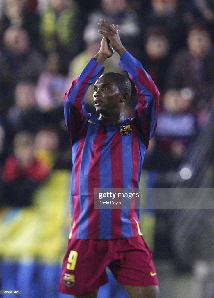 Samuel Eto'o of Barcelona applauds after being substituted during the Primera Liga match between Villarreal and F.C. Barcelona on December 4, 2005 at the Madrigal stadium in Villarreal, Spain.