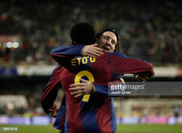 Samuel Eto'o of Barcelona celebrates his goal with his teammate Lionel Messi during the La Liga match between Valencia and Barcelona at the Mestalla...