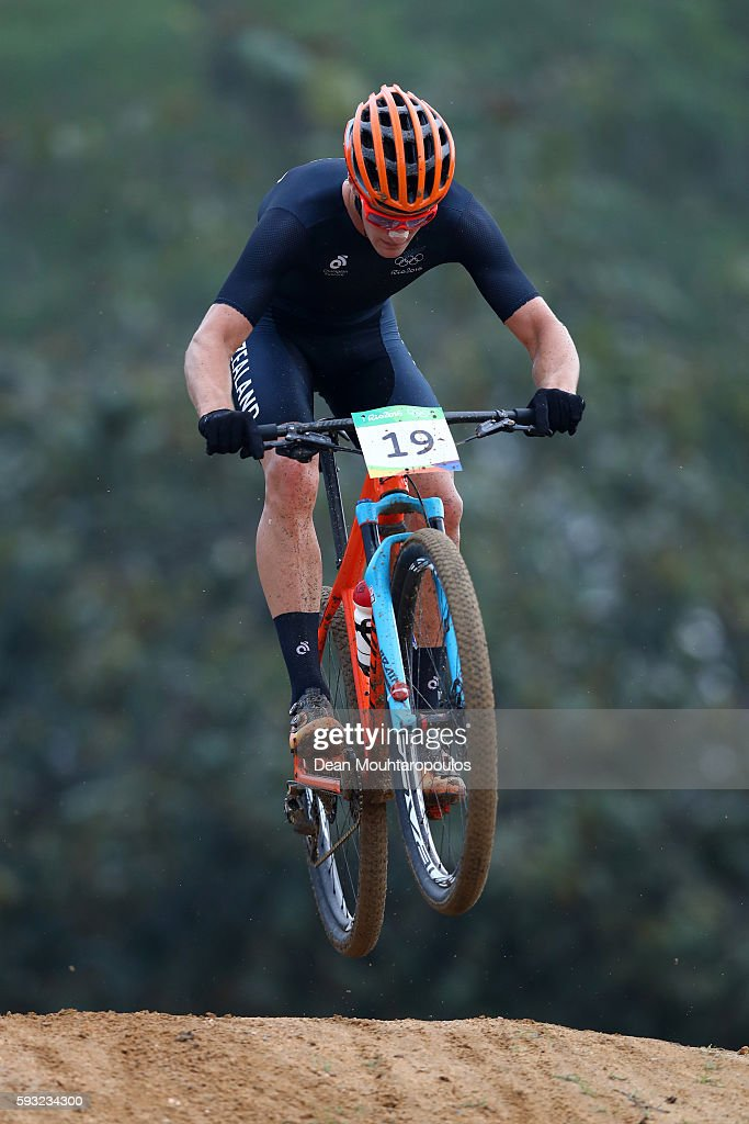 Samuel Gaze of New Zealand rides during the Men's Cross-Country on Day 16 of the Rio 2016 Olympic Games at Mountain Bike Centre on August 21, 2016 in Rio de Janeiro, Brazil.