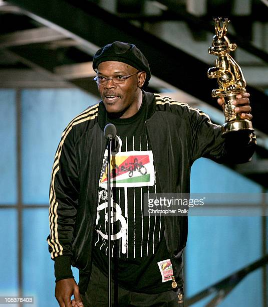 Samuel L Jackson accepts the award for the Best Performance By A Human Male for his role in Grand Theft Auto San Andreas