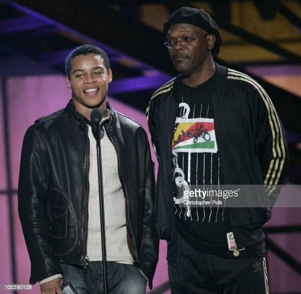 Samuel L Jackson and Robert Ri'chard present award for Best Sports Game