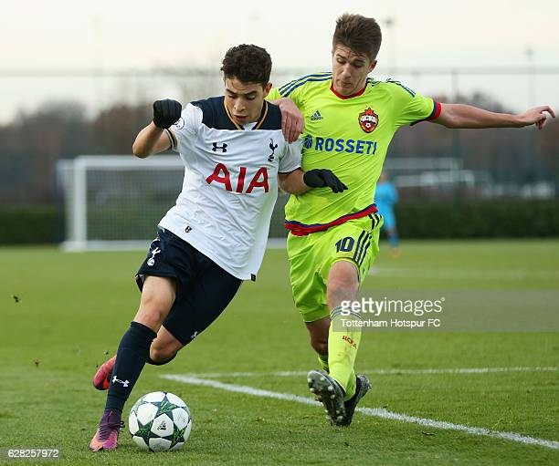 Samuel Shashoua of Tottenham Hotspur battles with Timur Pukhov of CSKA Moscow during the UEFA Youth Champions League match between Tottenham Hotspur...