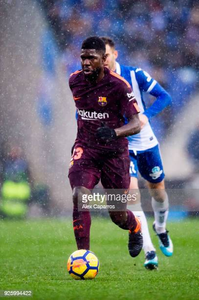 Samuel Umtiti of FC Barcelona conducts the ball during the La Liga match between Espanyol and Barcelona at RCDE Stadium on February 4 2018 in...