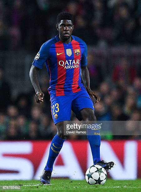 Samuel Umtiti of FC Barcelona runs with the ball during the UEFA Champions League match between FC Barcelona and VfL Borussia Moenchengladbach at...