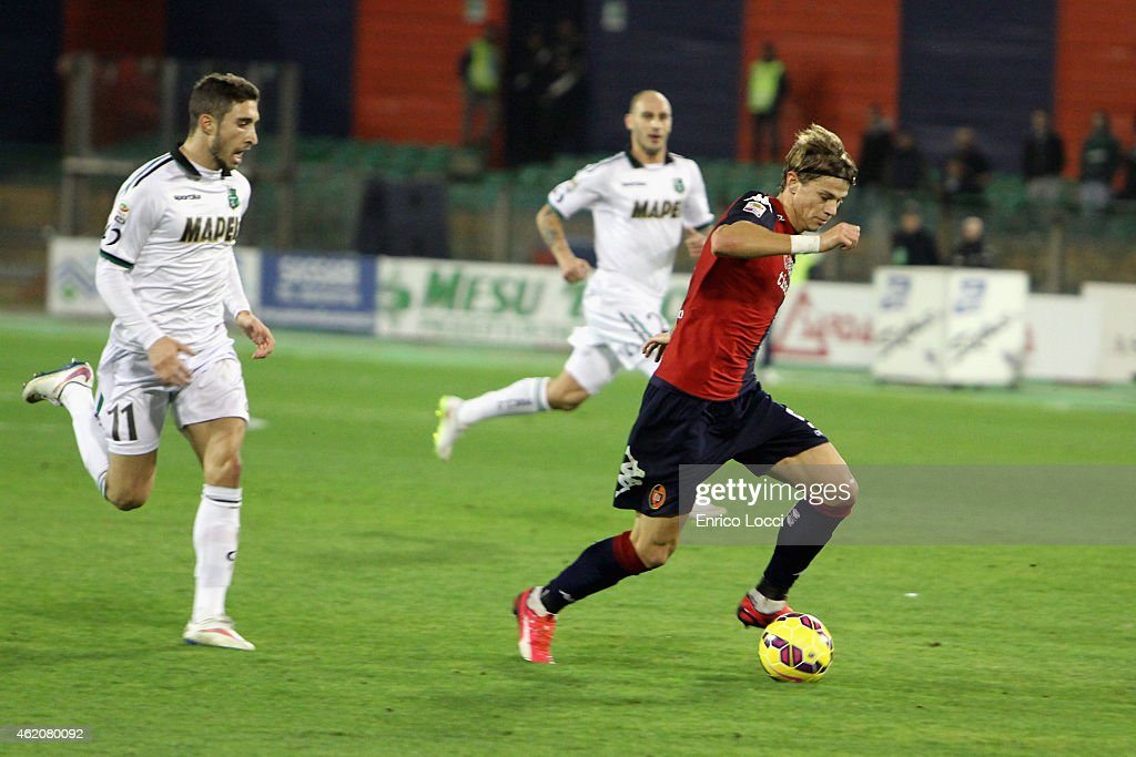 Samuele Longo of Cagliari in action during the Serie A match between Cagliari Calcio and US Sassuolo Calcio at Stadio Sant'Elia on January 24, 2015 in Cagliari, Italy.