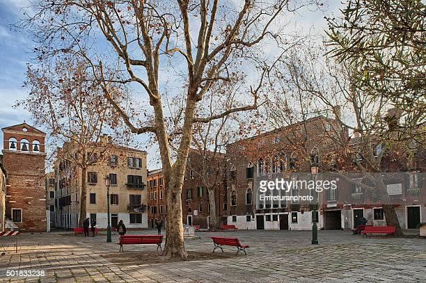 san agnese square in venice - emreturanphoto - fotografias e filmes do acervo