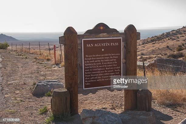san agustin pass historical marker near las cruces, new mexico - las cruces new mexico stock pictures, royalty-free photos & images