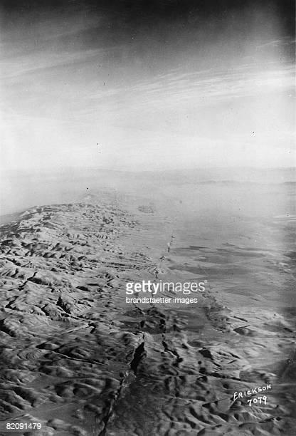San Andreas Fault in California Photogaphy Around 1930 [Der San Andreas Graben in Kalifornien Photographie Um 1930]