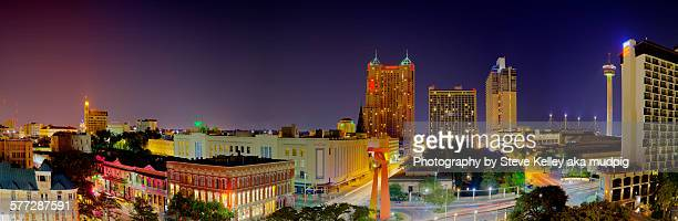 san antonio at night - san antonio stock photos and pictures