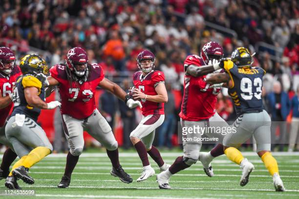 San Antonio Commanders quarterback Logan Woodside looks for a receiver during the AAF game between the San Diego Fleet and the San Antonio Commanders...