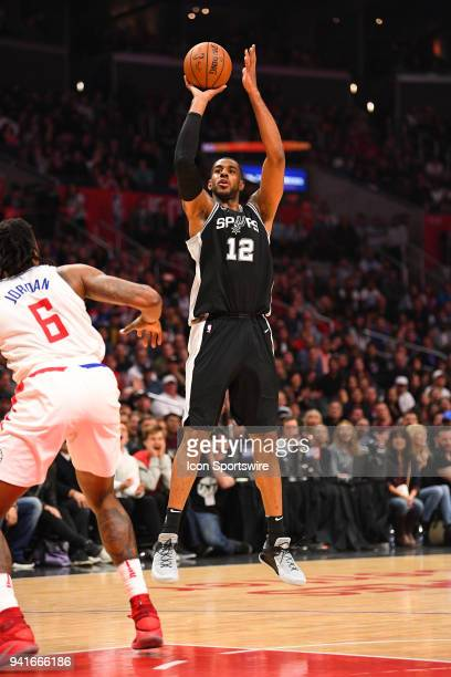 San Antonio Spurs Forward LaMarcus Aldridge hits a jump shot late in the 4th quarter during an NBA game between the San Antonio Spurs and the Los...