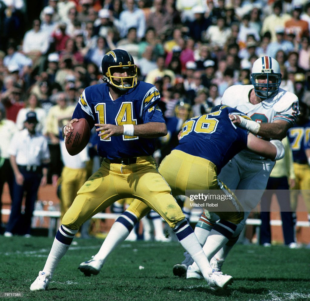San Diego Chargers Hall of Fame quarterback Dan Fouts stands in the pocket during the AFC Divisional Playoff a 3413 loss to the Miami Dolphins on...