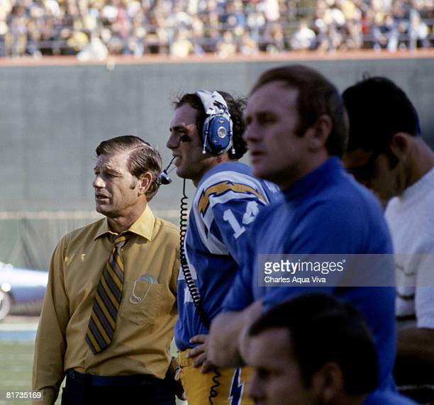 San Diego Chargers Coaches: Marty Domres Stock Photos And Pictures