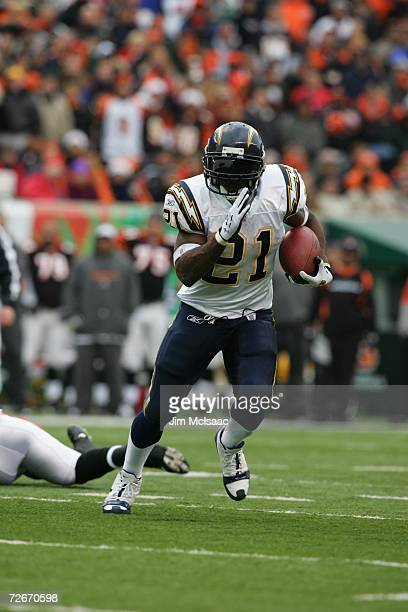 San Diego Chargers running back LaDainian Tomlinson rushes with the ball during the game against the Cincinnati Bengals on November 12, 2006 at Paul...