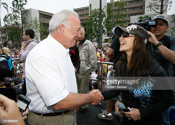 San Diego Mayor Jerry Harris stands with Entertainment Tonight correspondent Samantha Harris at the 13th Annual Rock n' Roll Marathon on June 6 2010...